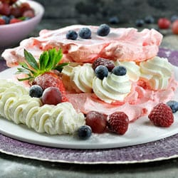 Red berry Pavlova | Philips Chef Recipes