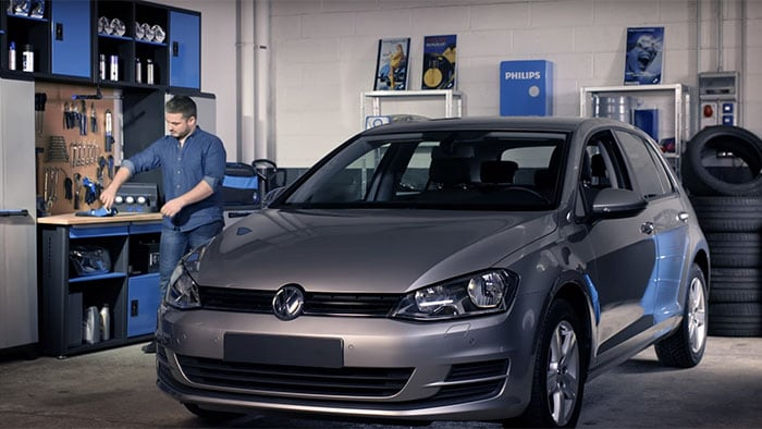 How to replace headlight bulbs on your Volkswagen Golf VII